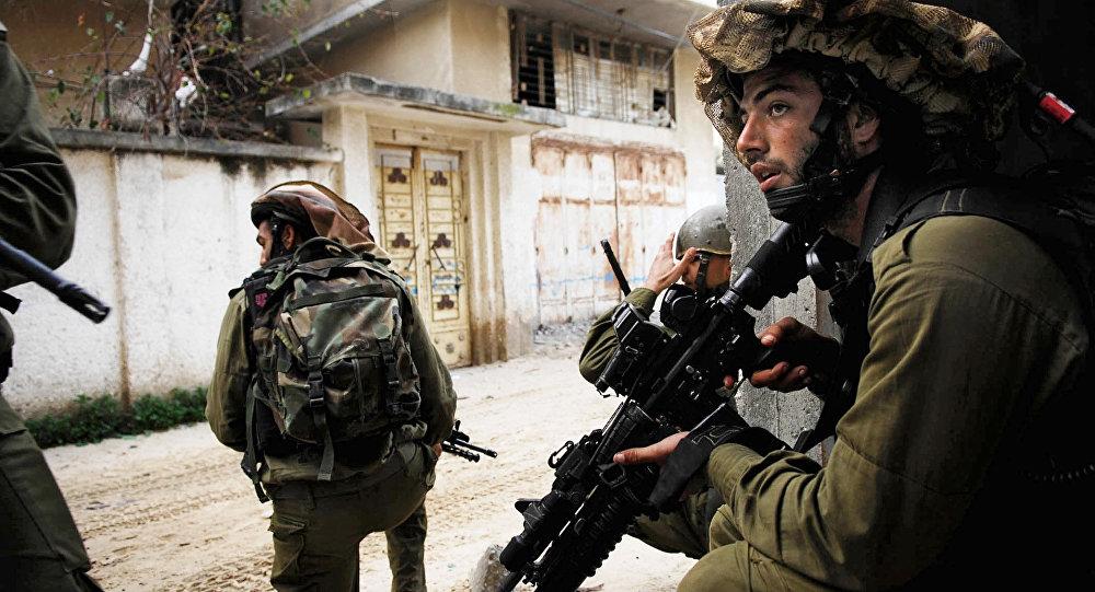 Палестинец напал на бойца вХевроне— Волна террора продолжается