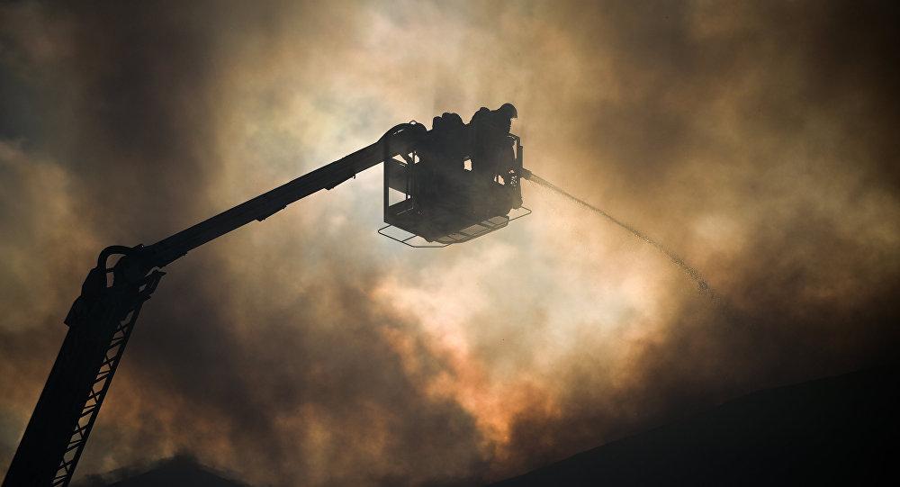 Спасали остальных: Наместе чудовищного пожара в столице найдено 8 тел