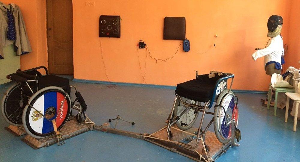 Кресла для занятий парафехтованием