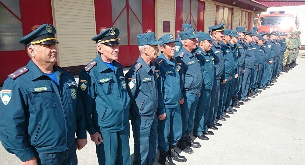 Построение сотрудников МЧС Южной Осетии