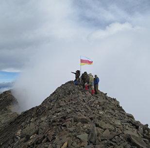 Восхождение на гору Халаца