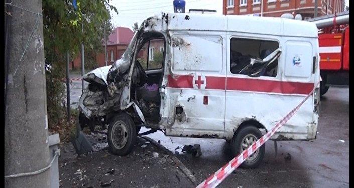 Скорая помощь столкнулась с автомобилем во Владикавказе