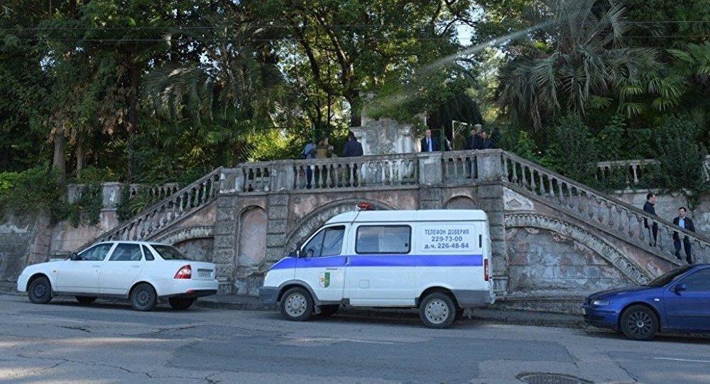 Мужчина подорвался вмногоэтажном здании абхазского государственногоТВ
