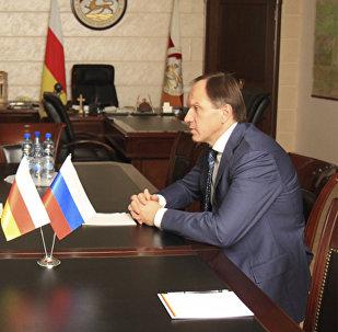 Встреча Л.Тибилова и Л.Кузнецова