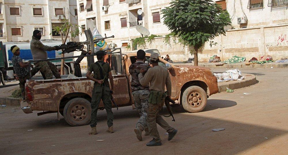Бойцы сирийского ополчения в районе квартала 1070 на юго-западе Алеппо