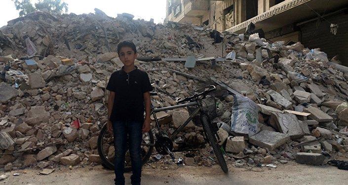Ребенок у КПП в восточном Алеппо
