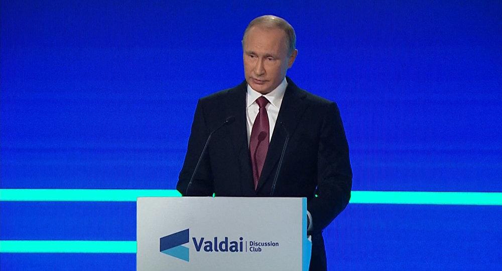 Путин объяснил, зачем в США создают видимость российской военной угрозы