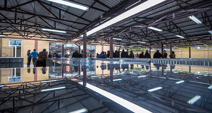 Торговый объект располагает 70 открытыми и 30 закрытыми местами