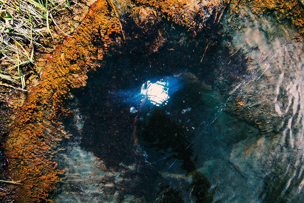 Вода минерального источника в селе Згубир Дзауского района признана лечебно-столовой и может применяться для лечения различных заболеваний.