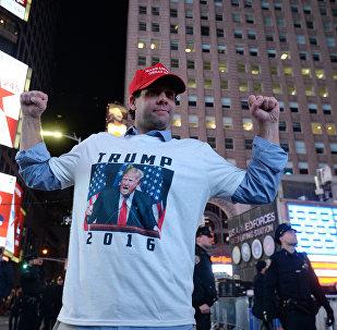 Сторонник кандидата в президенты США от Республиканской партии Дональда Трампа