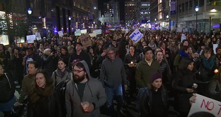 Демонстрации в городах США против избрания Трампа президентом страны