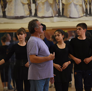 Репетиция танцевального ансамбля Скифы под руководством Геннадия Биченова.