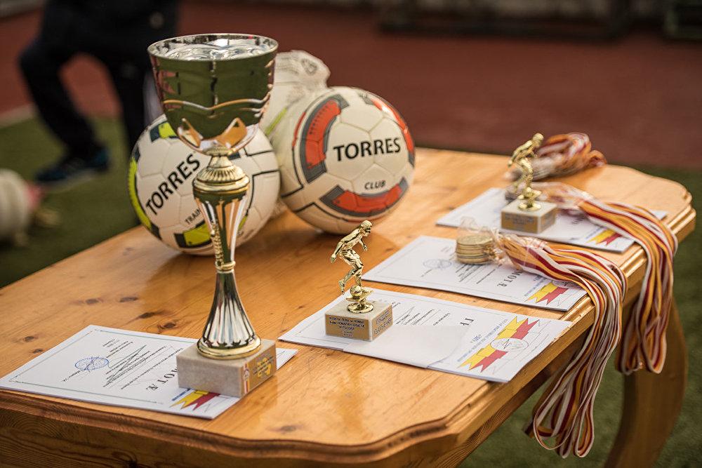 За третье место играли команды 2-й школы и гимназии Альбион.