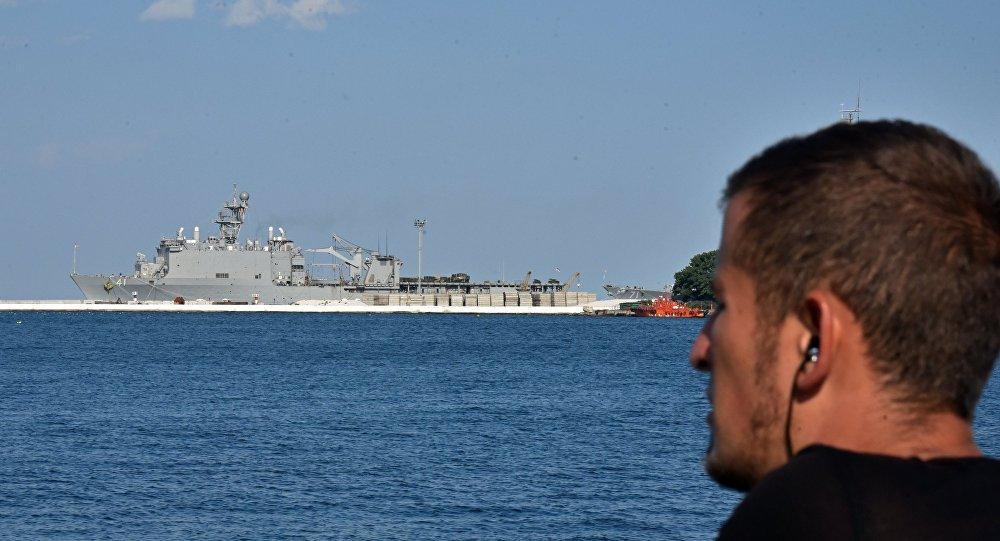Большой десантный корабль ВМС США Whidbey Island