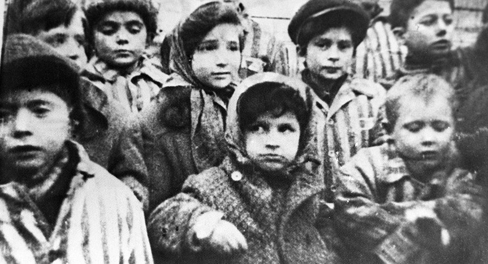 Дети освобожденные из лагеря Освенцим