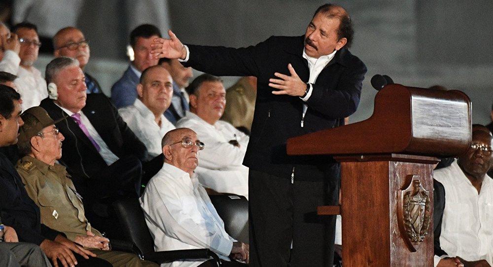 Президент Никарагуа Даниэль Ортега во время митинга в память об ушедшем из жизни Фиделе Кастро