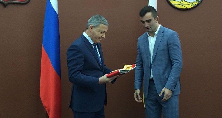 Гассиев после победы над Лебедевым получил квартиру