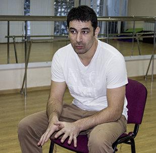 Григорий Мамиев и юными актерами