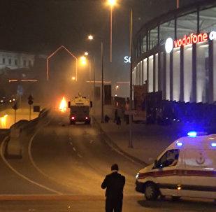 Двойной теракт произошел в центральном районе Стамбула. Кадры с места ЧП