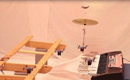 Оркестр квадрокоптеров из Университета Пенсильвании исполняют музыку из Джеймс Бонда