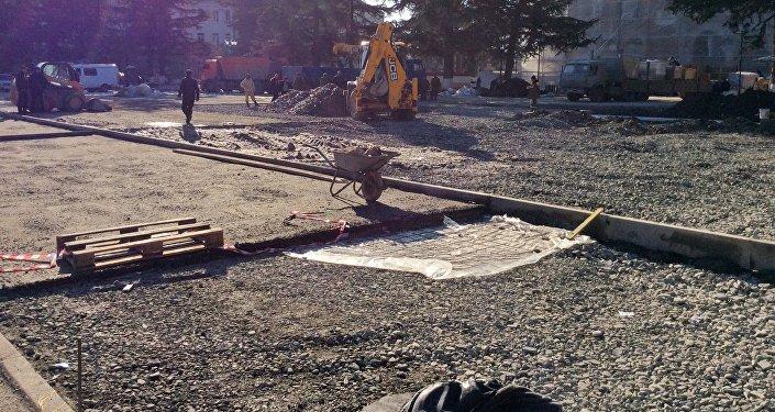 Строительные работы на Театральной площади Цхинвала
