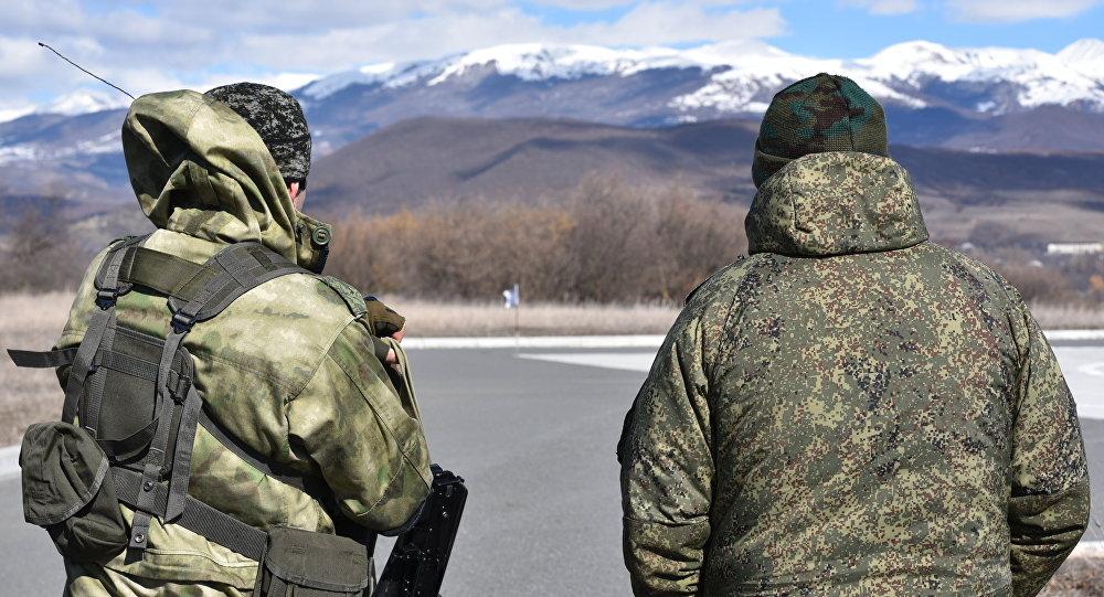 Пограничники на югоосетино-грузинской границе.