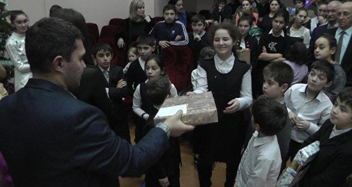 Елка доброты пришла в Дзаускую школу-интернат