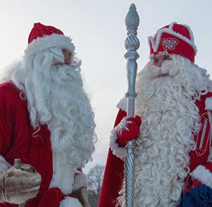 Встреча российского Деда Мороза и финского Йоулупукки