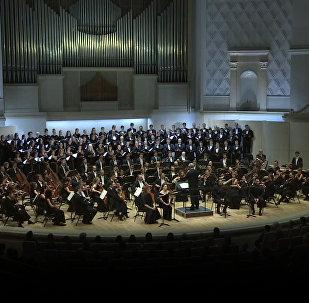 Гергиты Валерийы оркестр сӕххӕст кодта Реквием Ту-154 авиакатастрофӕйы амӕттӕгты ном арынӕн