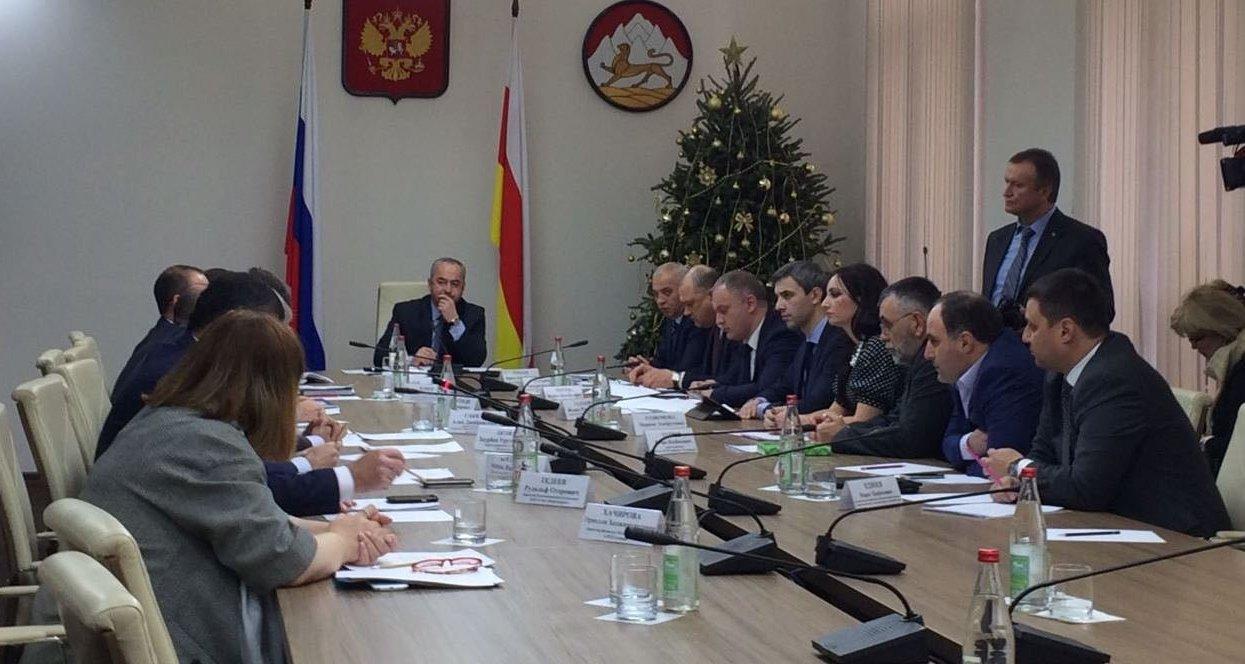 Встреча председателя правительства Таймураза Тускаева со страховщиками