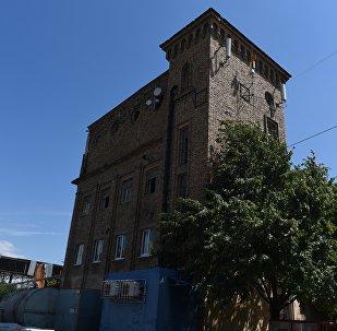 Здание цхинвальского пивзавода