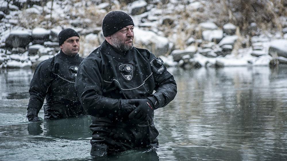 На реке дежурили спасатели МЧС, однако их помощь не понадобилась, праздник прошел без неприятностей