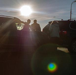 Владельцы автомобилей на месте ДТП