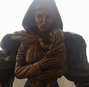 Задалески Нана, проект памятника