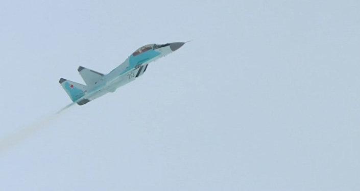 Демонстрационный полет истребителя МиГ-35