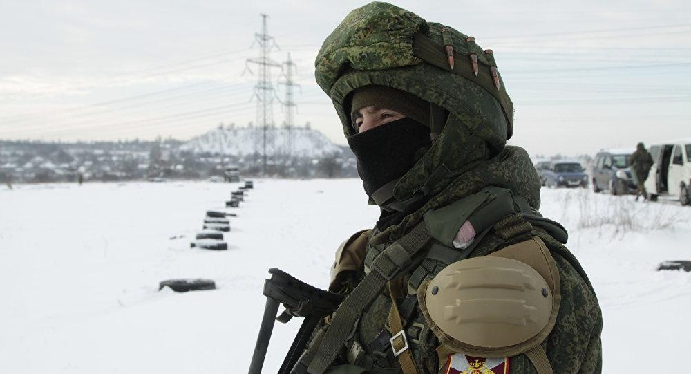 Боец ополчения ДНР