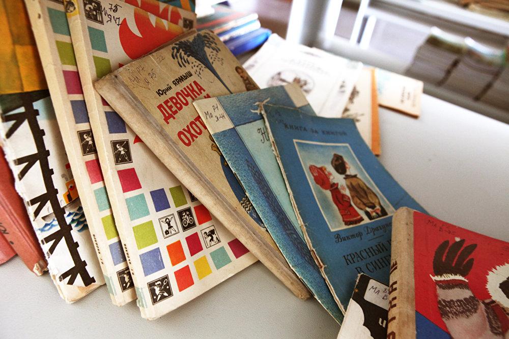 К сожалению в библиотеке есть нехватка современных изданий детской литературы