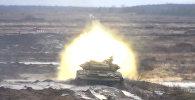 Тяжело в учении: танки обстреляли; вертолеты под Ростовом