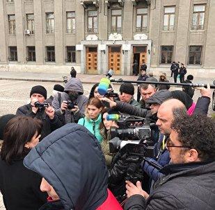 Митинг у здания Правительства Северной Осетии