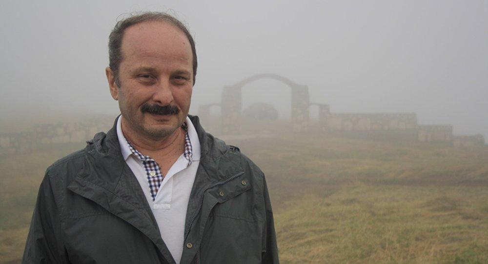 Роберт Петрович Кулумбегов