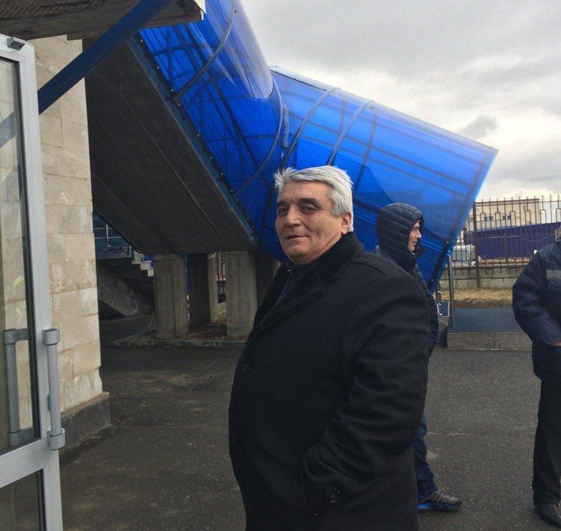 Славик Тибилов в Бесланском аэропорту