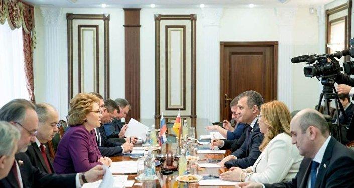 Встреча Валентины Матвиенко и Анатолия Бибилова