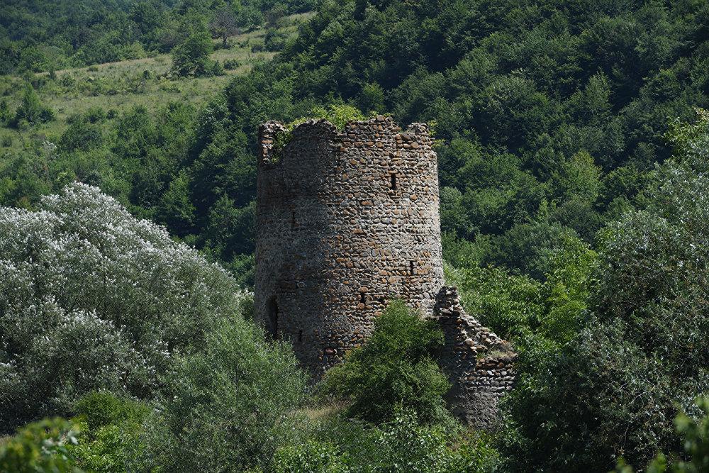 Башня в горах Южной Осетии