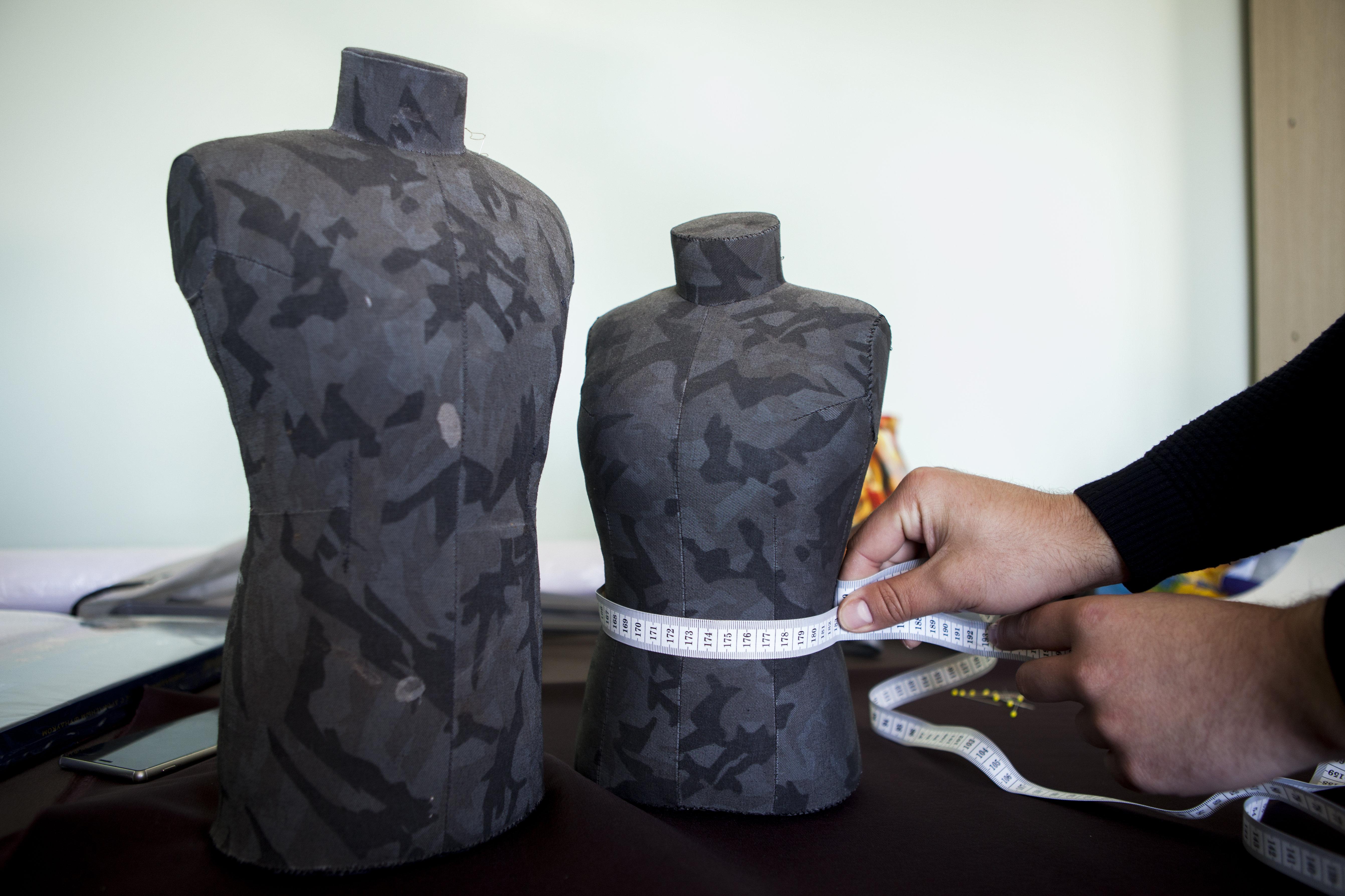 Небольшие манекены для создания эскизных изделий
