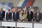Депутаты ГД вместе с Леонидом Тибиловым встретились в Цхинвале с молодежью