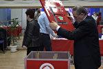 Подсчет голосов: кадры с одного из участков в Цхинвале2