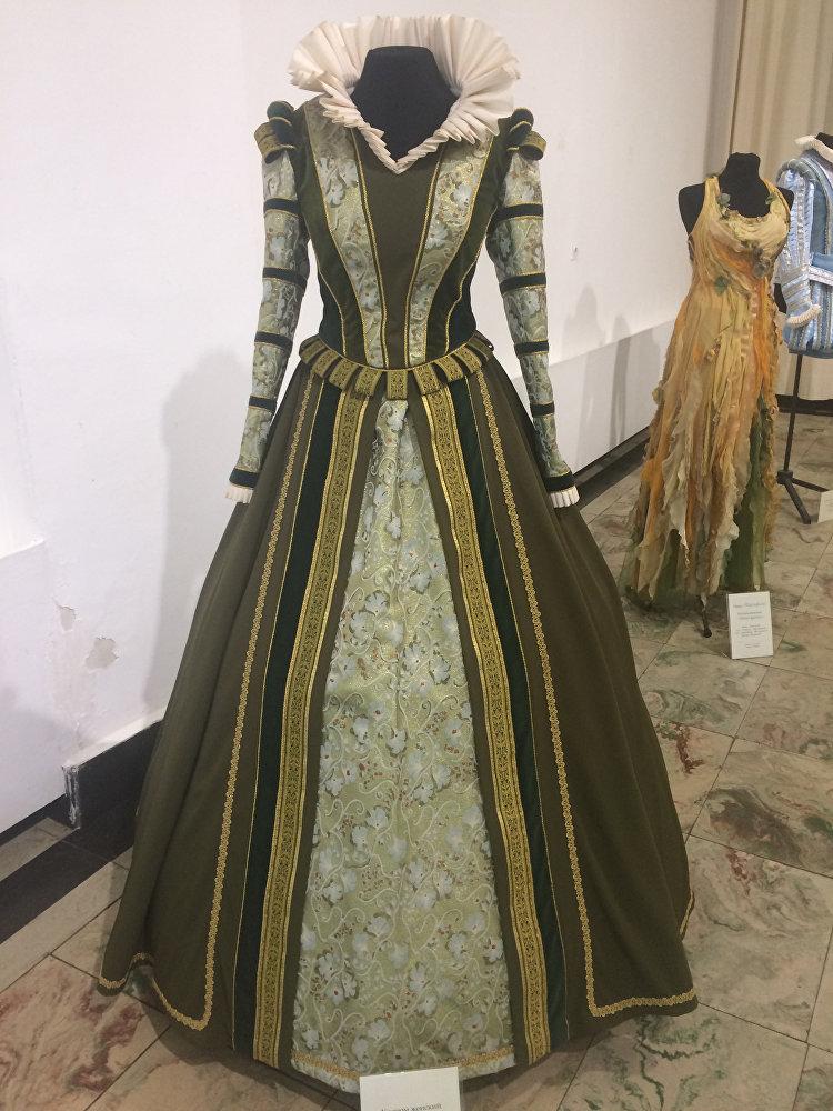 Все костюмы были сшиты во владикавказском филиале художественных мастерских Мариинского театра.