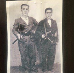 Александр Каркусов с другом Раулем