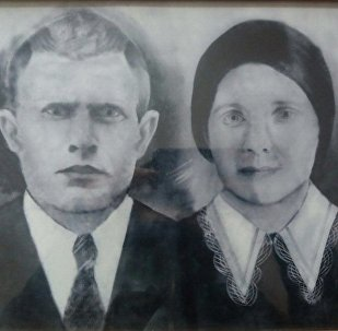 Яков Шумский с супругой