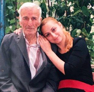 Елена Гассиева с дедом Константином Гассиевым